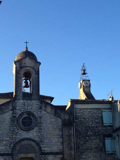 Le clocher et l'horloge
